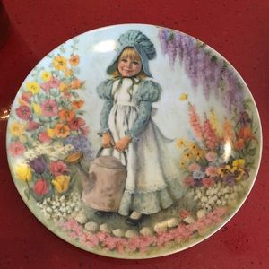 {5 for $25} 1979 Mary, Mary Plate